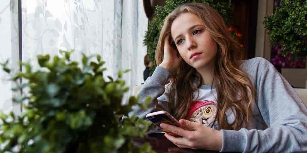 la-dépendance-à-un-smartphone-prédit-des0symptômes-dépressifs