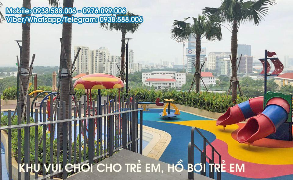 Hồ bơi trẻ em và khu vui chơi trẻ em tại The View.
