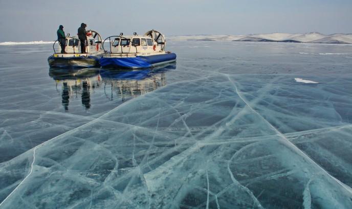 Aerodeslizador (hovercraft) con el que nos moveremos en el Lago Baikal (viaje de invierno)
