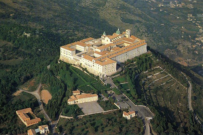 12 Монастырь Монте-Кассино современный вид, основан в VI в