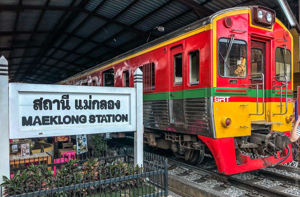 Maeklong-Railway-Market-Bangkok-0167
