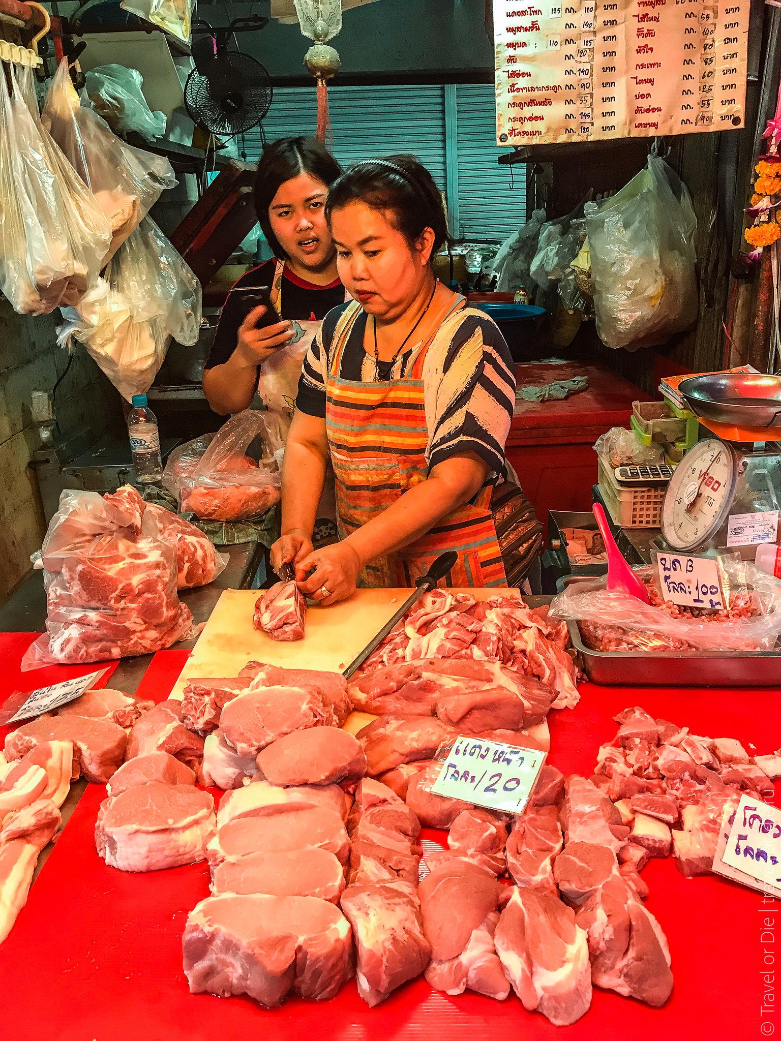 Maeklong-Railway-Market-Bangkok-0105