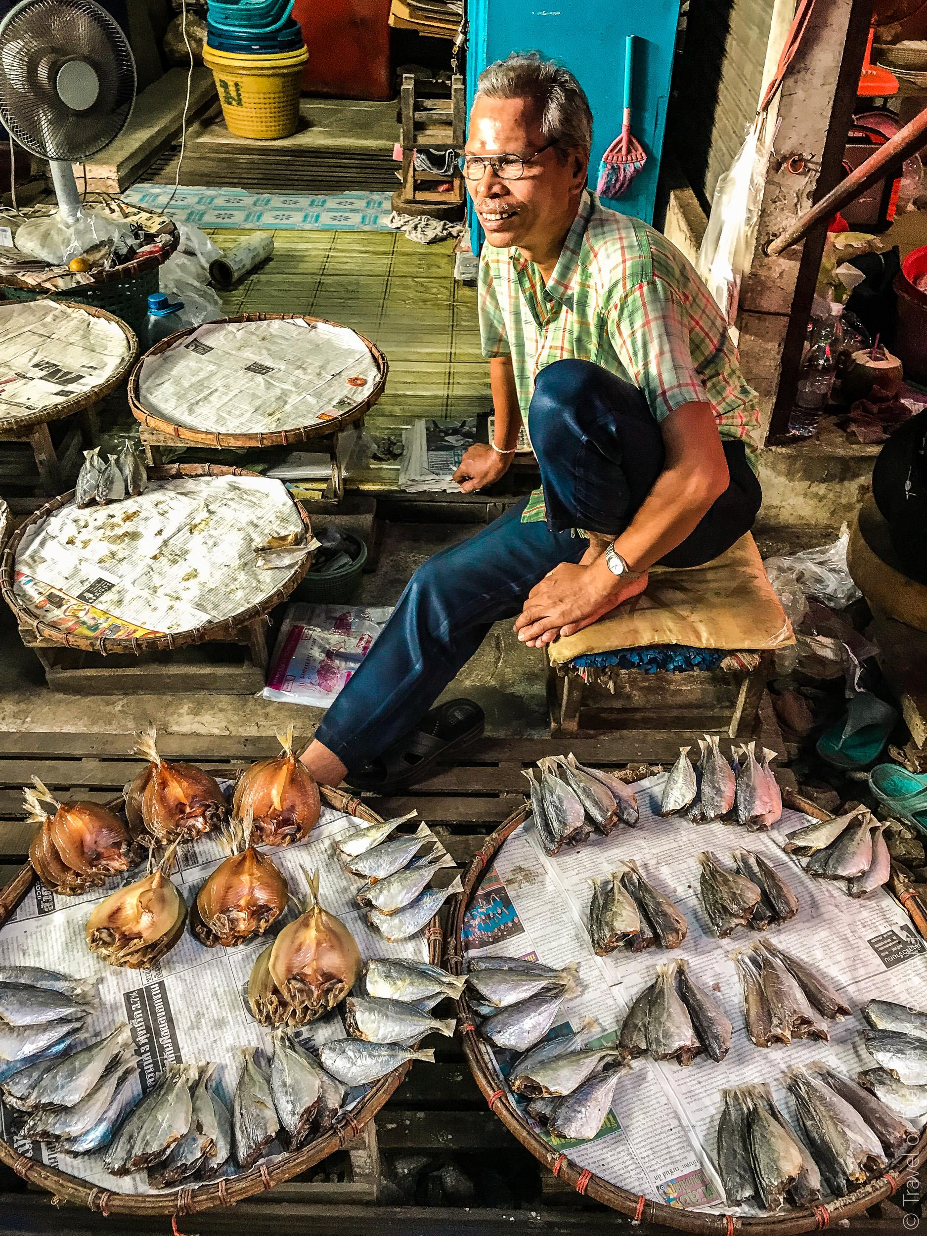 Maeklong-Railway-Market-Bangkok-0103