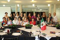 Integrantes del Club Acantho aprenden de Horticultura