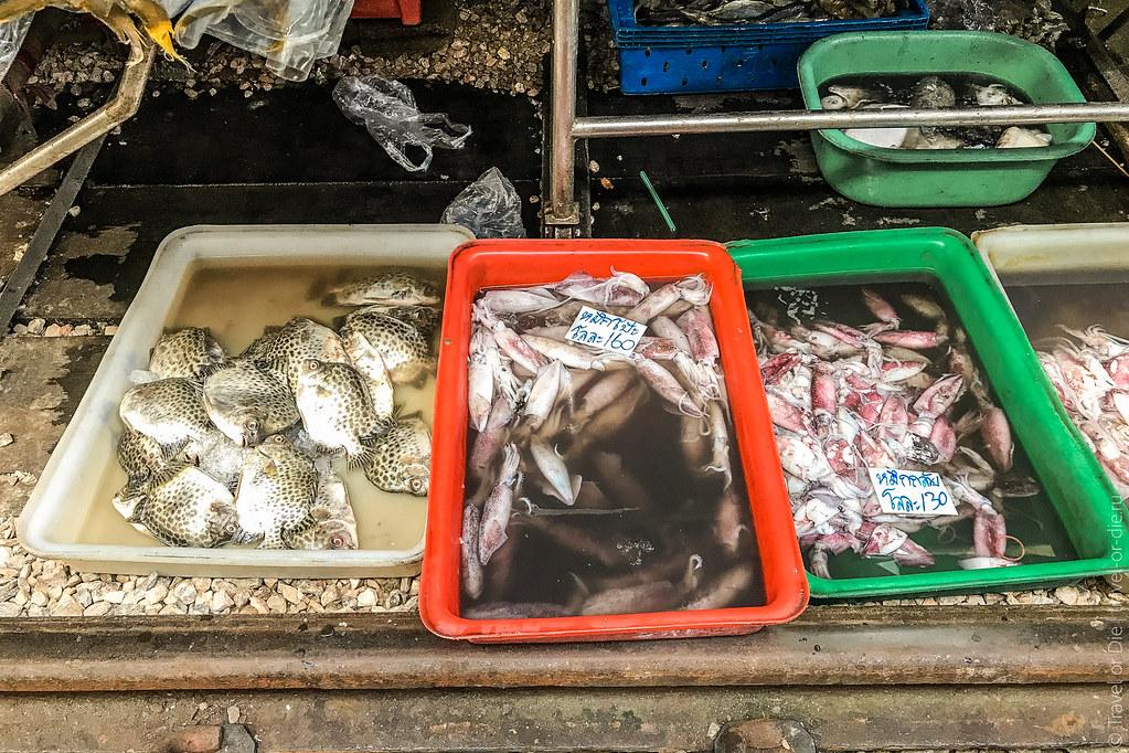 Maeklong-Railway-Market-Bangkok-0084