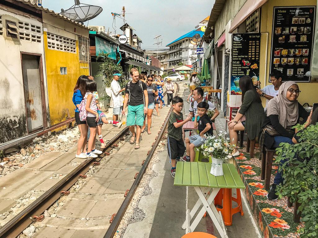 Maeklong-Railway-Market-Bangkok-0117