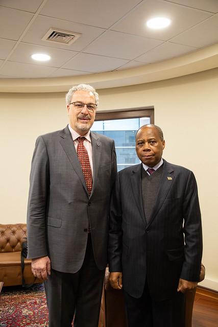 Embajador de Mozambique en Chile - Sr. Gamaliel Sepúlveda Joao Munguambe