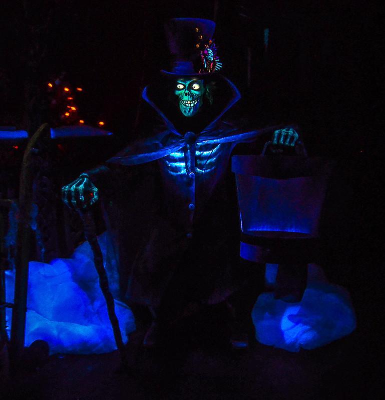Hatbox Ghost Haunted Mansion DL