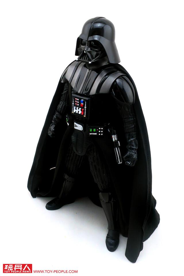 感受極致真實的原力黑暗面!孩之寶星際大戰8吋黑標終極系列「HYPERREAL達斯·維德」開箱報告
