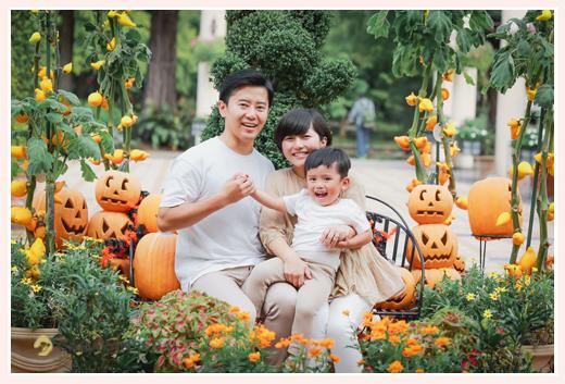ハロウィーンブースで家族写真 パンプキン・カボチャ