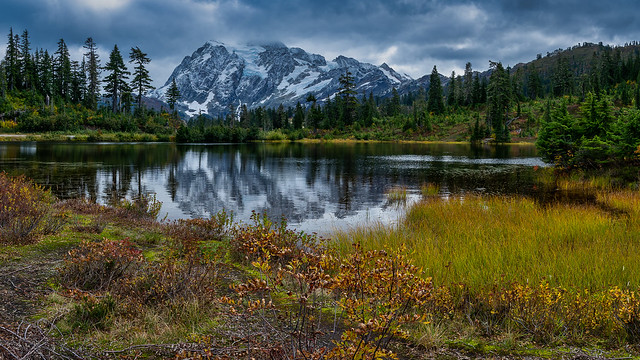 Picture Lake Autumn