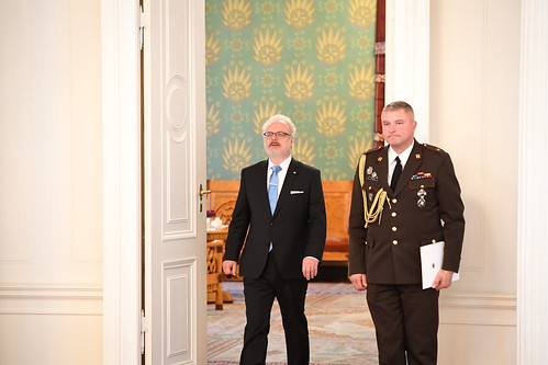 Valsts prezidents Egils Levits pasniedz akreditācijas vēstules Latvijas Republikas ārkārtējam un pilnvarotajam vēstniekam Apvienotajos Arābu Emirātos Atim Sjanītam