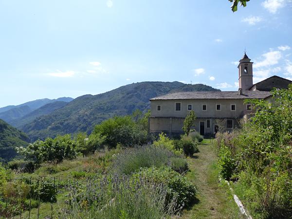 l'envers du monastère