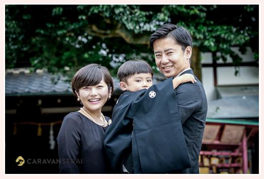 3歳の男の子の七五三 ご家族そろってブラックフォーマル 黒の羽織袴