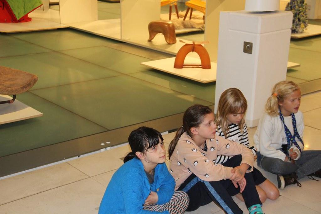 L4 Naar het Designmuseum005