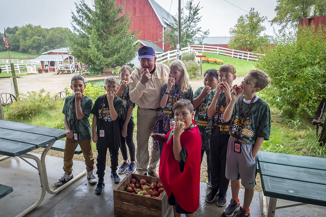 U.S. Secretary of Agriculture Sonny Perdue with students from Sugar Creek Elementary in Verona, Wisconsin