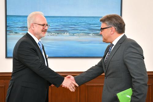 Valsts prezidents Egils Levits tiekas ar Tiesībsargu Juri Jansonu