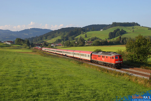 232 686 . DB . + EN 246 Wien - Bregenz . Buflings , Oberstaufen . 20.08.11.