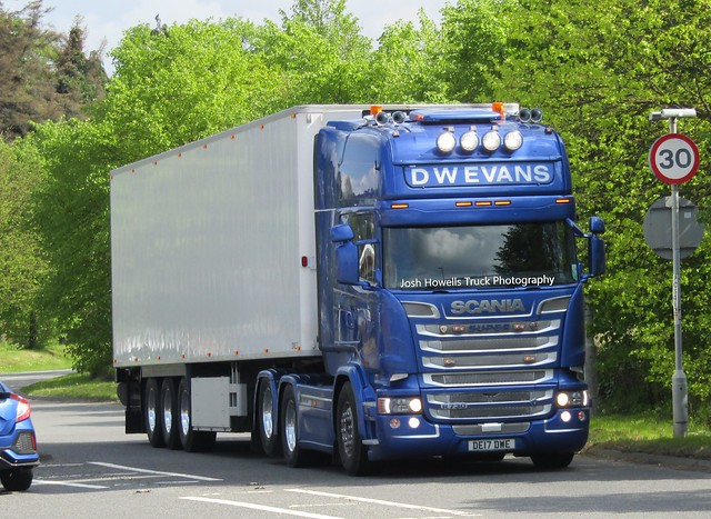 D W Evans DE17 DWE At Welshpool