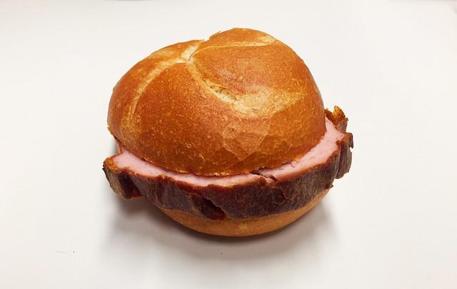 Bavarian meatloaf bun / Leberkässemmel