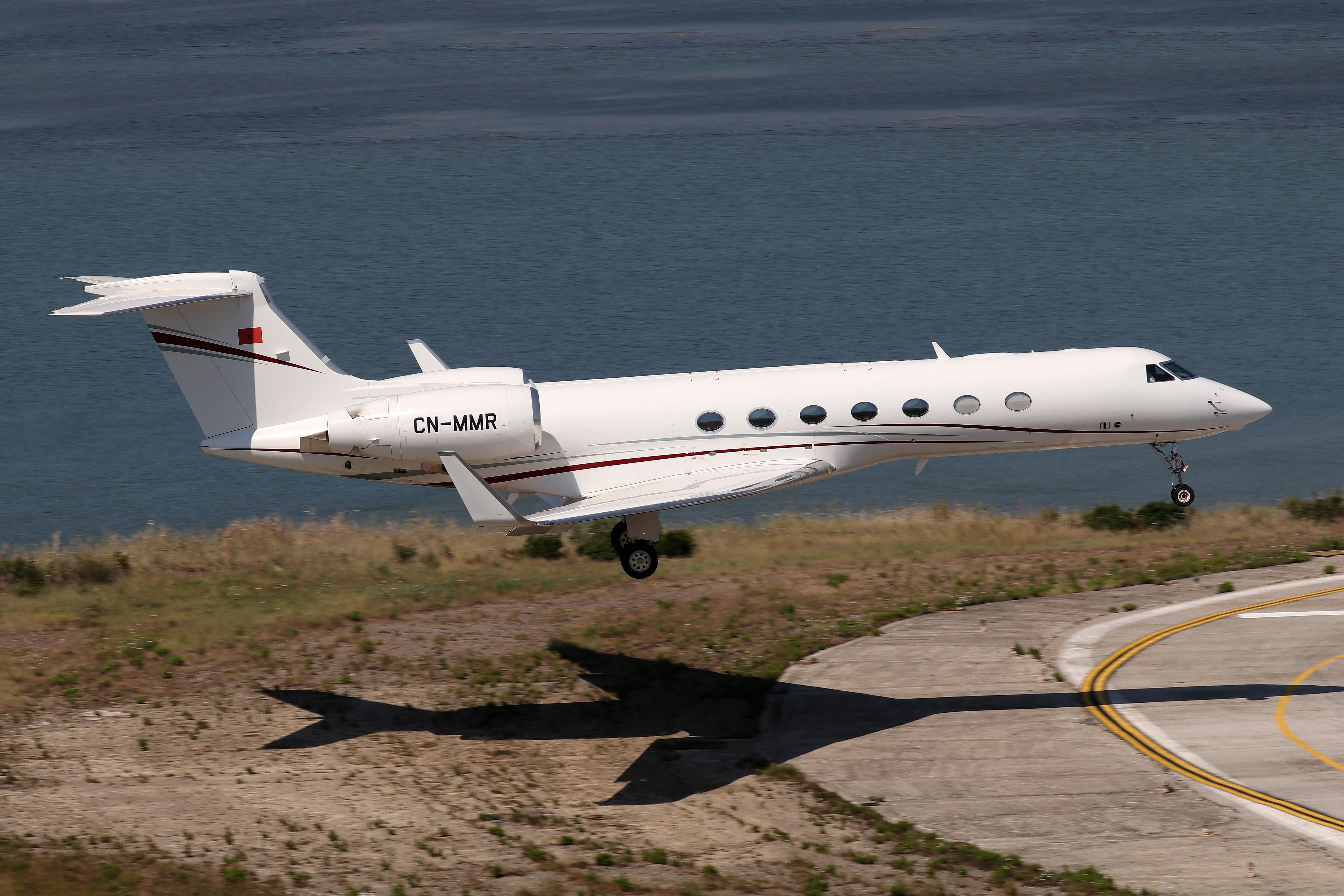FRA: Avions VIP, Liaison & ECM - Page 23 48832406233_4f04ca2172_o