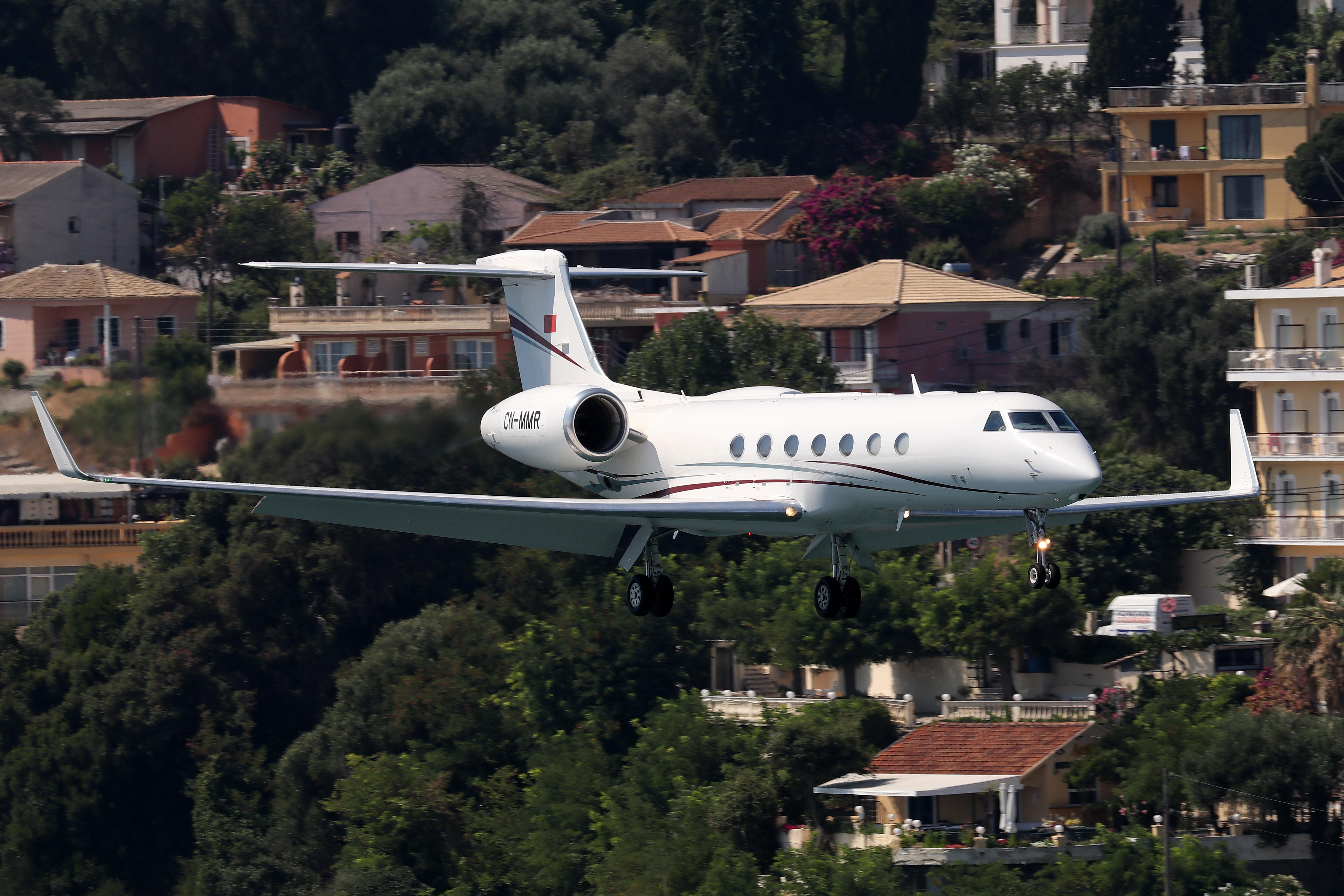 FRA: Avions VIP, Liaison & ECM - Page 23 48832943642_def0f4c85c_o