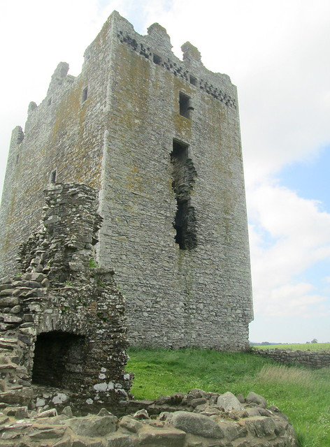 Threave Castle, Exterior of Tower