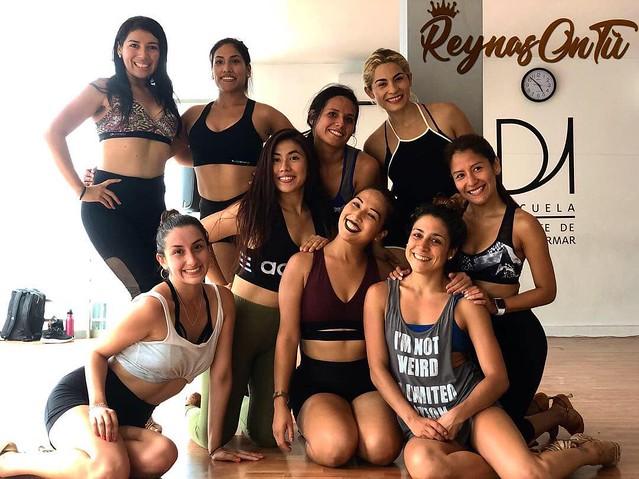 FUNDADORA Y DIRECTORA DE @reynasontuperu @teamreynasontu #lima# #peru  #dancers #claudiareynoso #peruana #photography #travels #worldchampion