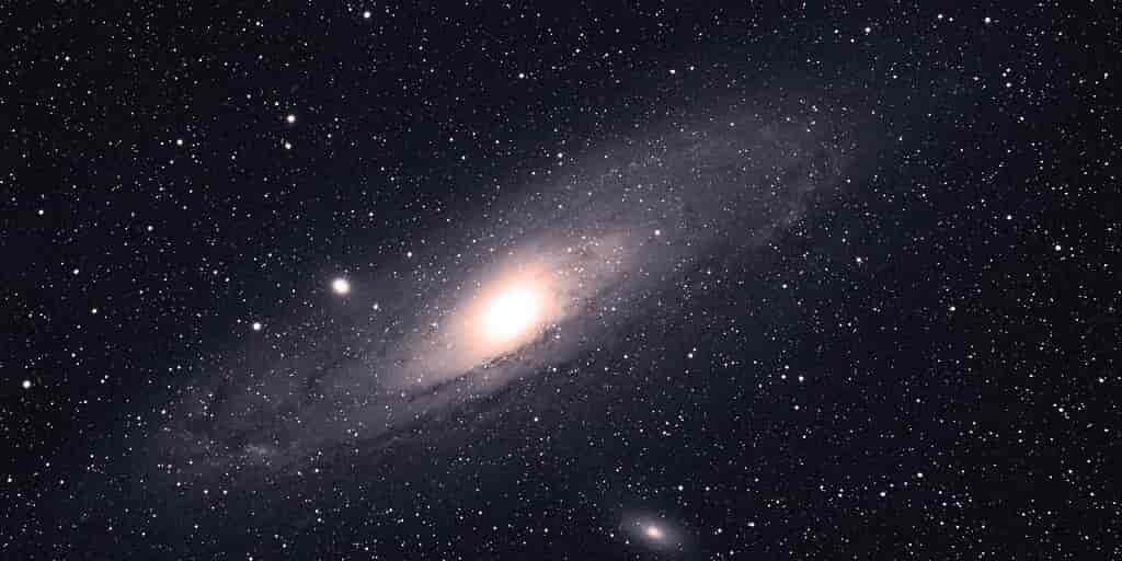Andromède-a-manger-des-galaxies