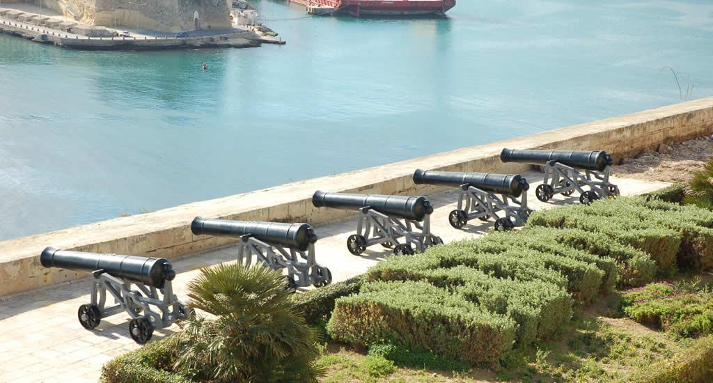 Barrakka Gardens, kanonnen | Malta & Gozo