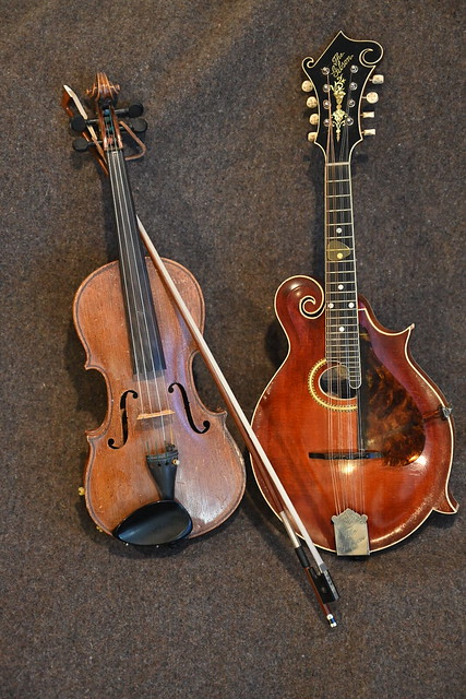 Old music on old instruments