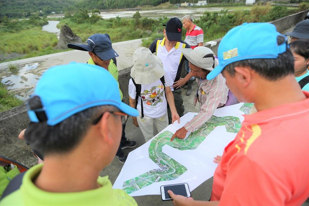 鱉溪沿岸的復興橋,九河局與居民討論引水議題。圖片來源:洄瀾風提供