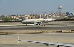 Etihad Airways A320-232, A6-EIQ, as EY 371 AUH-BAH