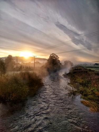 motorola snapseed g6 silsden steeton aire valley airedale misty morning scenery mist landscape river sunrise
