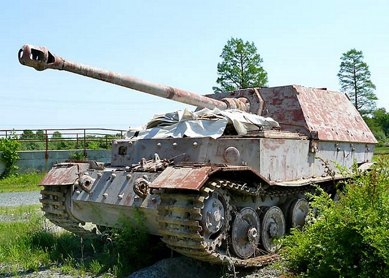 Jagdpanzer Elefant 00001