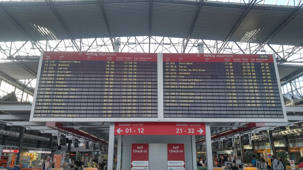 Silent advertisement image LX 919 nach Zürich