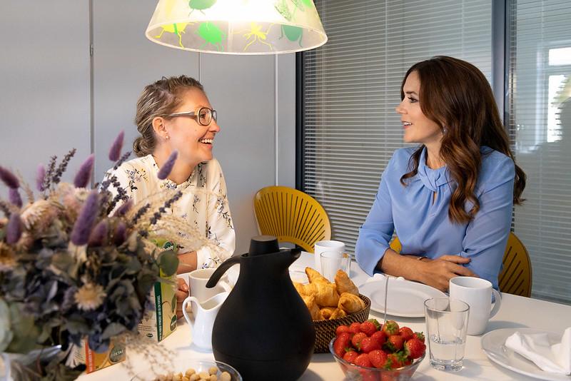 Kroonprinses Mary van Denemarken bezoekt vrouwenopvang (2019)