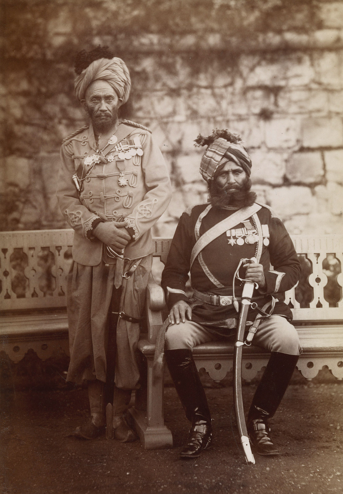 33. Субадар-майор Молладад-хан и Ресалдар-майор Джахур-хан