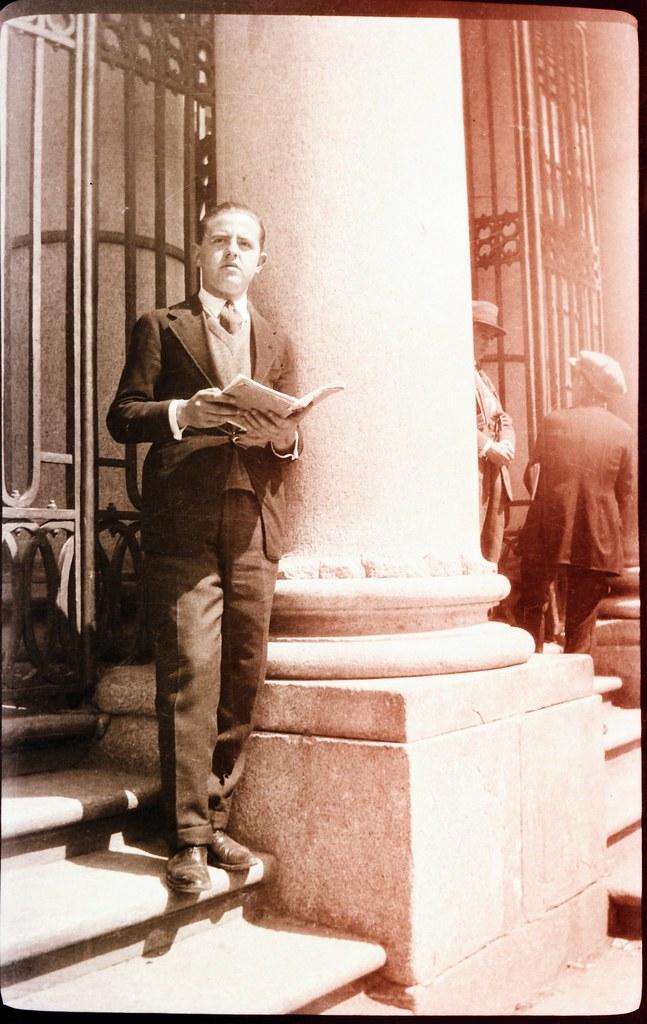 Fotografía de Eduardo Butragueño Bueno, joven en el Instituto Lorenzana