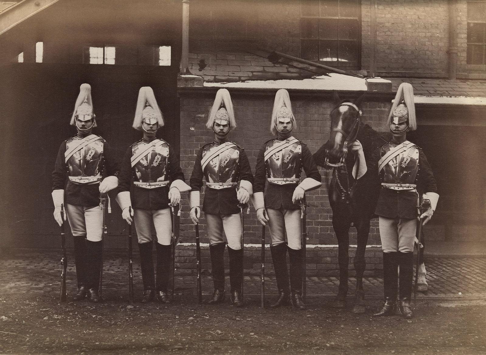 28. Пять солдат из лейб-гвардии, участвовавших в англо-египетской войне