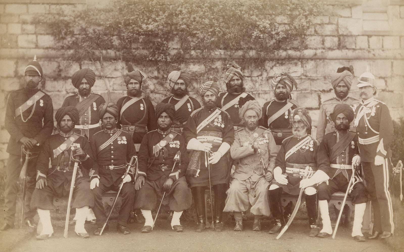 23. Офицеры из индийского контингента, служившие в англо-египетской войне 24 ноября 1883