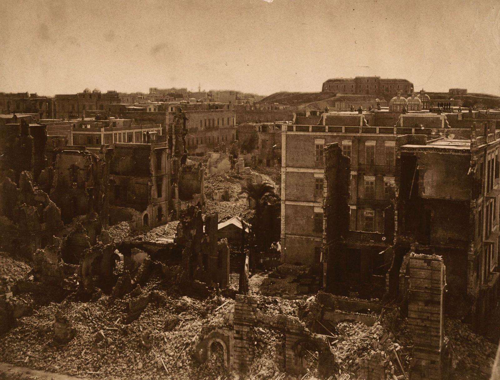 08. Александрия в руинах после англо-французской бомбардировки во время англо-египетского конфликта из-за контроля над Суэцким каналом