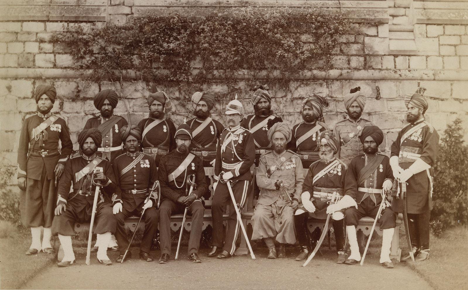 22. Офицеры из индийского контингента, служившие в англо-египетской войне 24 ноября 1883.