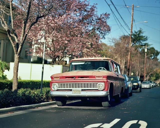 Chevrolet Suburban in Alameda