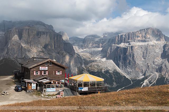 Rifugio Des Alpes, Col Rodella