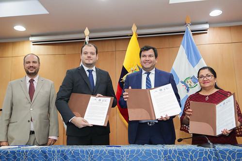 CÉSAR LITARDO PRESIDENTE DE LA ASAMBLEA NACIONAL JUNTO A IRMA AMAYA, PRESIDENTA DEL PARLAMENTO CENTROAMERICANO Y ROBERTO VITERI, VICEMINISTRO DE MINISTRO DE ACUACULTURA Y PESCA PARTICIPARON EN - CONVERSATORIO. QUITO, 3 DE OCTUBRE 2019.