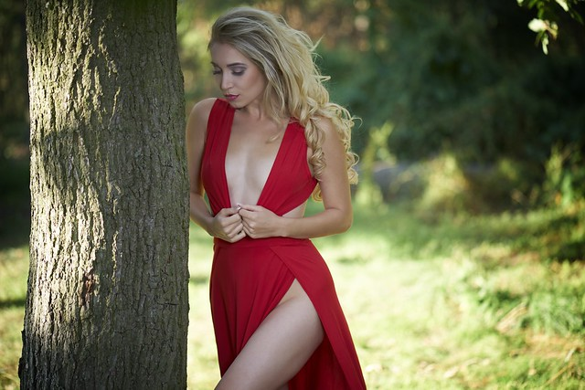 red fits her good
