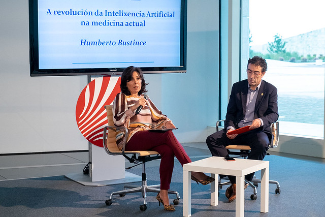 inauguración da conferencia A revolución da Intelixencia Artificial na medicina actual,