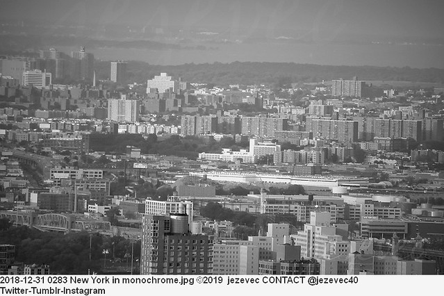 2018-12-31 0283 New York in monochrome