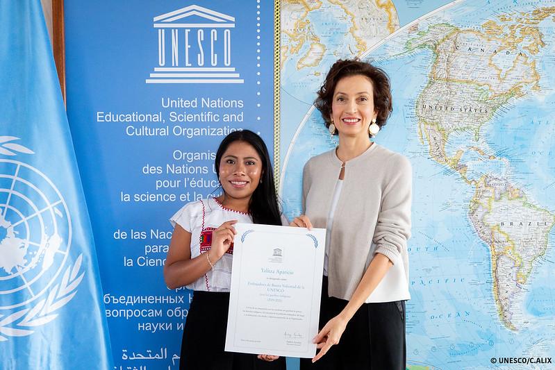 Remise du certificat d'Ambassadrice de bonne volonté à Yalitza Aparicio
